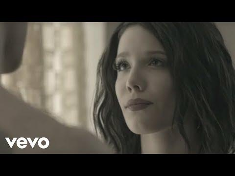 The Chainsmokers - Closer Ft. Halsey (Official Music Video)